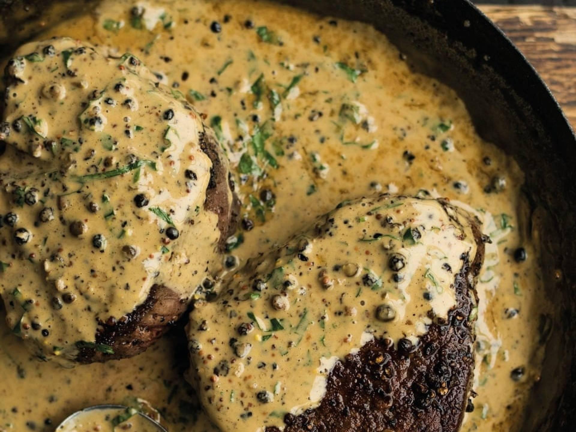 Grilled Steak with Peppercorn Gravy